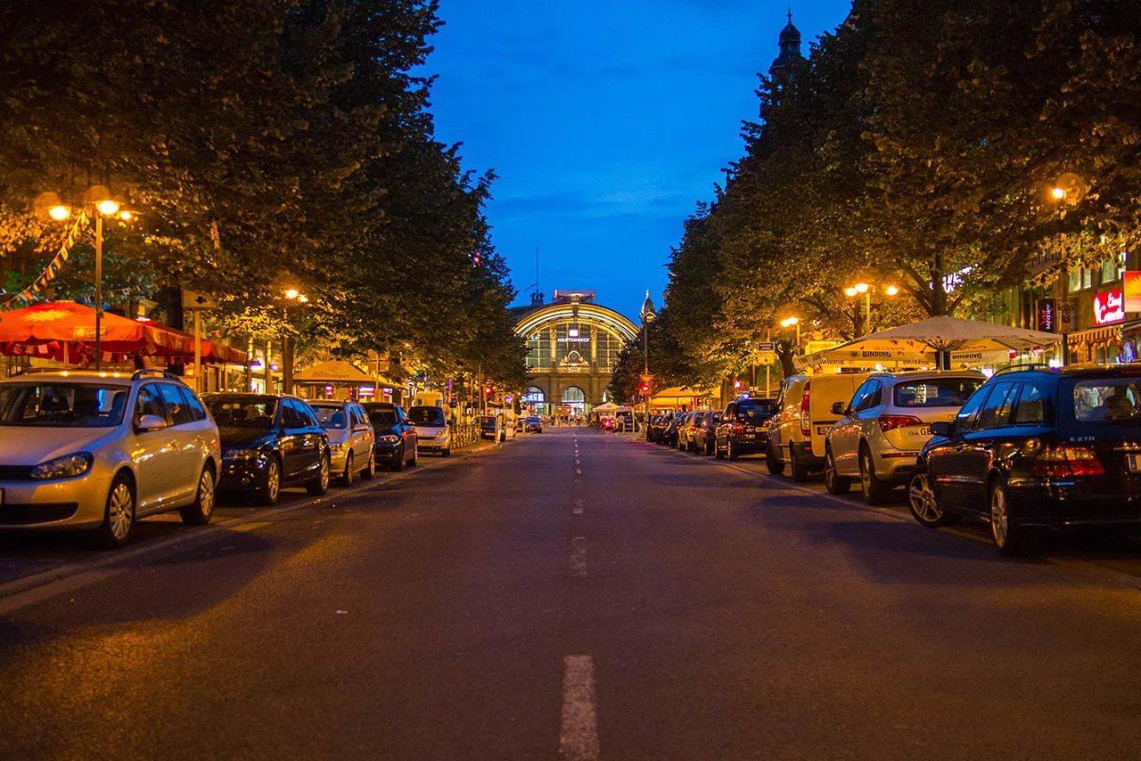 Bahnhofsviertel Abend