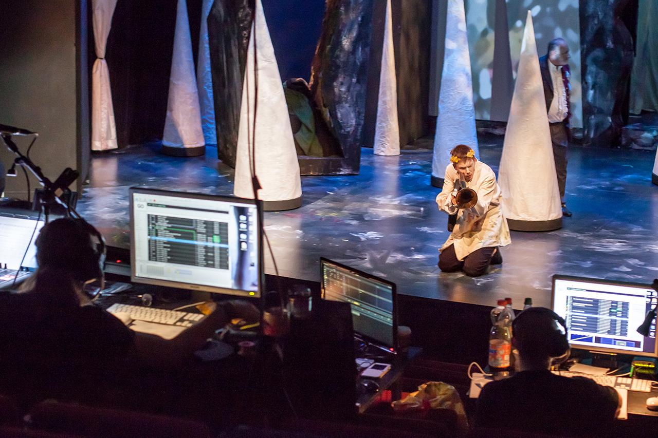 English_Theatre_Frankfurt_Black_Rider_Sound_Licht
