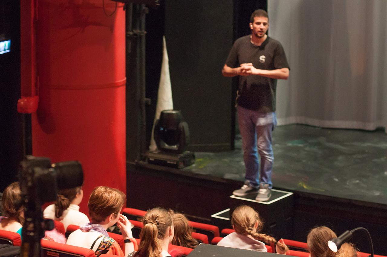 English_Theatre_Frankfurt_Black_Rider_StageManager