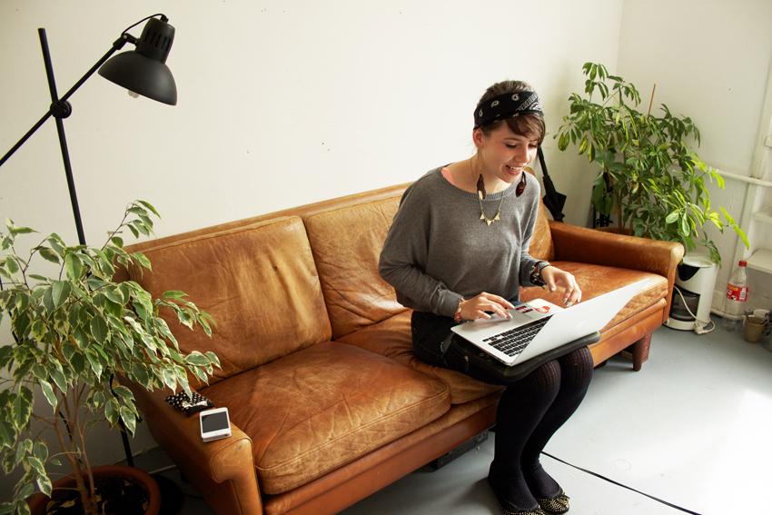 Maja beim mitschreiben