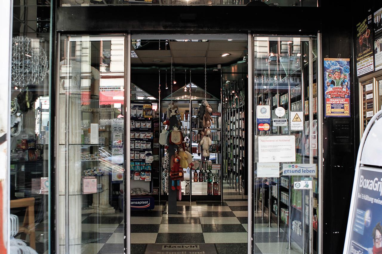 Eingang der Mosel Apotheke