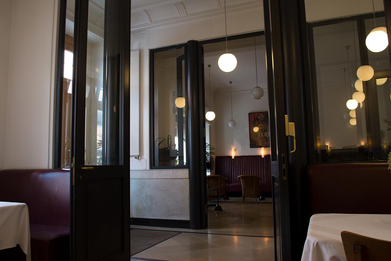 Ein fr hst ck im hotel nizza clashffm for Designhotel nizza