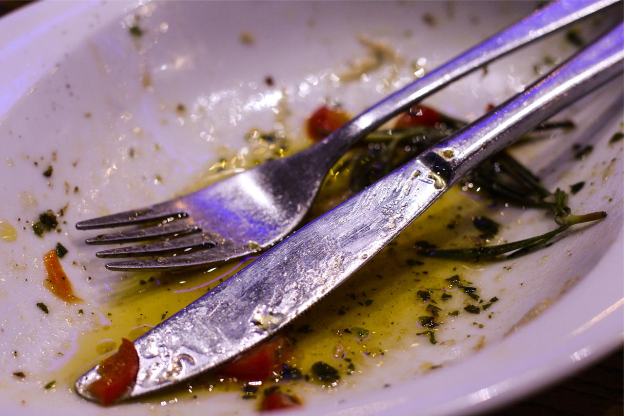 Designstudenten essen FIsch im Bahnhofsviertel6
